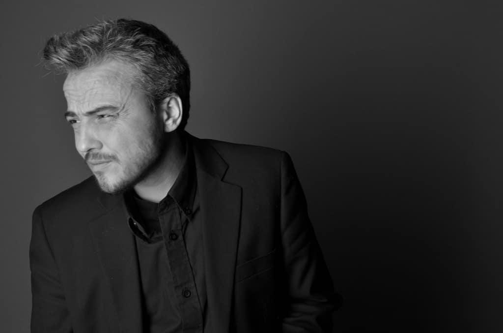 Autoportrait en noir et blanc ©Sacha Charles Martin