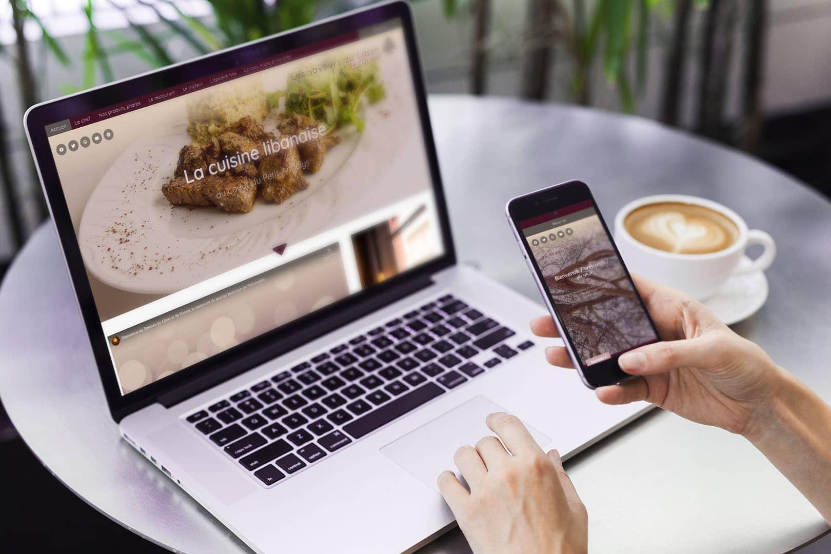 Site web sur pc et smartphone mockup